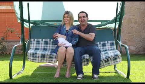 家庭,多亏BioTexCom通过代孕成为了幸福的父母